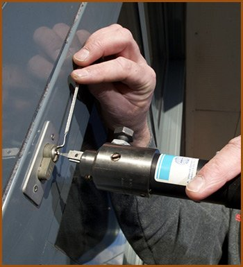 Interstate Locksmith Shop Levittown, PA 215-583-2332
